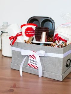 8 Gourmet Holiday Gift Baskets for the Foodie in Your Life Cupcake Gift Baskets, Food Gift Baskets, Home Decor Baskets, Raffle Baskets, Christmas Gift Baskets, Wine Baskets, Basket Gift, Handmade Christmas, Homemade Gifts