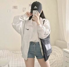 style Sexy Casual Style Outfits # korean Outfits 31 Style Fashion Looks For Starting Your Winter - Fashion New Trends Fashion Mode, Korea Fashion, Aesthetic Fashion, Aesthetic Clothes, Asian Fashion, Korean Girl Fashion, Aesthetic Outfit, Autumn Aesthetic, Korean Aesthetic