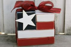 Eric Westfield posted flag block to their -Memorial Day!- postboard via the Juxtapost bookmarklet. Patriotic Crafts, July Crafts, Summer Crafts, Holiday Crafts, Holiday Fun, Holiday Ideas, Americana Crafts, Patriotic Quilts, Patriotic Party