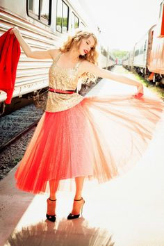 Taylor Swift - E. v U. Photoshoot for Glamour 2012