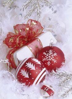 Elegant Christmas, Christmas Love, Christmas Balls, Christmas Wishes, Christmas Pictures, Christmas Colors, Christmas Greetings, All Things Christmas, Winter Christmas