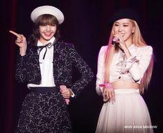 Yg Entertainment, South Korean Girls, Korean Girl Groups, Lace Skirt, Sequin Skirt, Blackpink Lisa, Female Singers, Kpop Girls, Rose