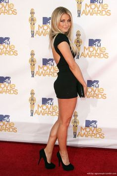 Julianne Hough sexy legs in a little black dress and platform pumps Sexy Outfits, Sexy Dresses, Short Dresses, Short Skirts, Nice Dresses, Beautiful Legs, Gorgeous Women, Simply Beautiful, Julianne Hough Hot