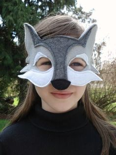 Be careful or that big bad wolf is going to get you! This eco friendly, soft felt mask would make a great addition to your childs dress up box. Its also great for themed parties, school plays or for a Halloween costume. The grey and white mask is two layers of felt which are