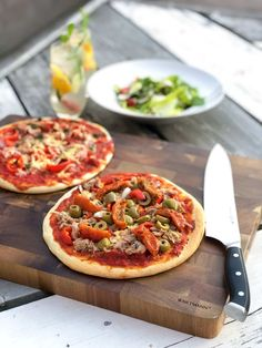 Glutenvrije knapperige bloemkoolpizza met zelfgemaakte tomatensaus! Nan Pizza, Keto Recipes, Healthy Recipes, Lunch Snacks, Herbs For Health, Happy Foods, I Want To Eat, Everyday Food, Vegetable Pizza
