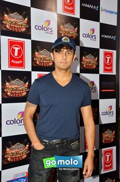 Sonu Nigam at the Press meet of 'Suron Ke Rang' music concert in Mumbai