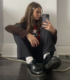 Indie Outfits, Trendy Outfits, Cool Outfits, Fashion Outfits, Fasion, Ootd, How To Pose, Winter Looks, Mode Inspiration