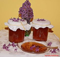 ogrody babilonu: galaretka z kwiatów lilaka Canning Recipes, Chocolate Fondue, Preserves, Oreo, Birthday Candles, Lilac, Pudding, Pantry, Pantry Room