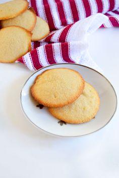Grandma's Butter Cookies http://livedan330.com/2016/01/14/grandmas-butter-cookies/