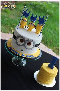 Adorable idea for a minions themed birthday cake! Minion Birthday, Minion Party, Birthday Cake, Minion Cookies, Cake Cookies, Fondant Cakes, Cupcake Cakes, Bolo Minion, Novelty Cakes
