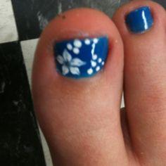 pretty toenail