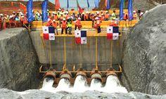 Canal Ampliado - Nuevas Esclusas están Casi Llenas