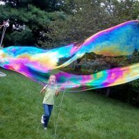 Summer+Fun+with+Kids+—+Making+Mega+Bubbles