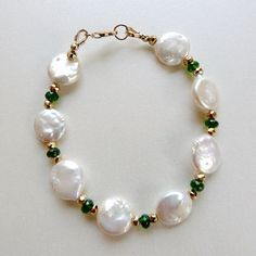 Quality White Coin Pearl & Faceted Gemstone Bracelet, Emerald Green AAA Chrome Diopside and Gold Fill, Handmade, Fine Jewelry Pearl Jewelry, Wire Jewelry, Jewelry Crafts, Beaded Jewelry, Jewelery, Jewelry Bracelets, Handmade Jewelry, Gemstone Bracelets, Diy Jewelry Tutorials