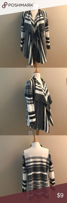 "Faded Glory black white stripe shawl cardigan S Faded Glory shawl cardigan.  Black and white stripe.  Acrylic material.  Long sleeve.  19"" bust and 27.5"" length. Faded Glory Sweaters Cardigans"