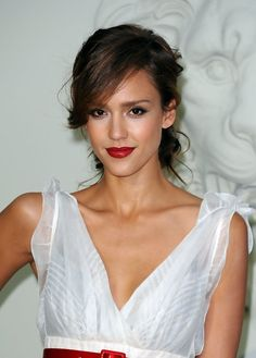 Jessica Alba Messy Twisted Updo with Side Swing Bangs | Hairstyles Weekly