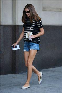 Olivia Palermo con shorts vaqueros