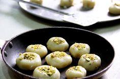 Cashew nut roll