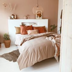 Small Home Interior .Small Home Interior Bedroom Inspo, Home Bedroom, Bedroom Decor, Bedroom Ideas, Bedrooms, Bedroom Inspiration, Design Bedroom, Bedroom Wall, Interior Inspiration