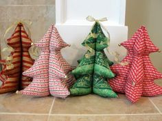 The Pursuit of Happiness: Festive Stuffed Christmas Trees    I'd love to be able to make some of these.