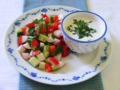 Makacska konyhája: Tavaszi saláta zöldfűszeres joghurtöntettel Fruit Salad, Paleo, Foods, Food Food, Fruit Salads, Food Items, Beach Wrap, Paleo Food