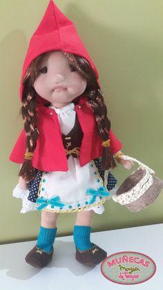 Muñeca de trapo caperucita roja
