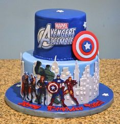 Avengers to the rescue on this birthday cake!The Avengers to the rescue on this birthday cake! Avenger Party, Avenger Cake, Avengers Birthday Cakes, Superhero Birthday Cake, Superhero Treats, Pastel Avengers, Marvel Cake, Iron Man Birthday, Captain America Cake