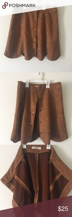 Suede high wasted pedal skirt This is a beautiful suede high wasted skirt! Bought it thinking it would fit me but did not.! It is so soft and perfect for all seasons! Size Large ! marked queen Skirts Midi