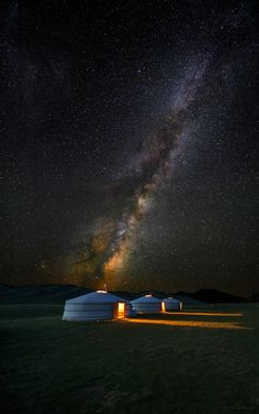 Mongolian Skies (by Leah Kennedy)  Yuras and the Milky Way  http://exploretraveler.com http://exploretraveler.net