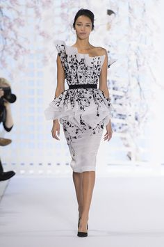 See all the Ralph & Russo Haute Couture Spring 2016 looks from the runway.