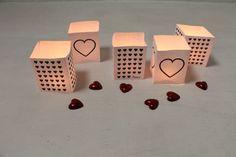 Download gratis: Speciaal voor Valentijnsdag maakten we een aantal leuke 'theelichthouders'. Gratis te downloaden en snel in elkaar te zetten met handige vouwlijnen. credu.nl/blog/