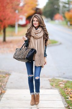 """The """"It"""" Scarf for Fall   Southern Curls & Pearls   Bloglovin'"""