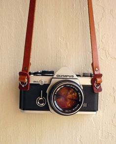 Leather camera strap by hideindustry