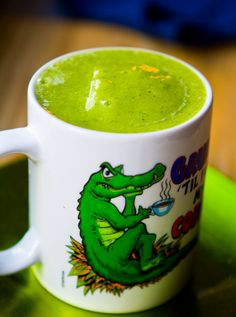 Grumpy Gator Green Smoothie- 1 cup orange juice, fresh-squeezed cup pineapple juice 1 cups frozen mango 1 large ripe banana cup ice (or coconut water ice cubes) a handful of kale (about large leaves – stem removed) yum! Fruit Drinks, Fruit Smoothies, Healthy Smoothies, Yummy Drinks, Healthy Drinks, Smoothie Recipes, Beverages, Alcoholic Drinks, Cocktails