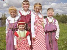 FolkCostume&Embroidery: Overview of the Folk Costumes of Europe, Veps, Russia