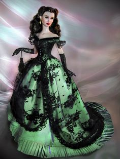 """Scarlett O'Hara having a ball!yes there is the ole irish gal yall think about her brilliant long gown made from """"window"""" curtains!its not blarney!happy irish day!"""