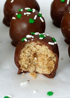No Bake Baileys Irish Cream Cookie Balls -