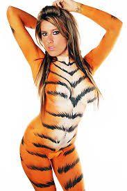 Tiger paint body guerra vida