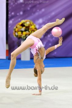 Yana Kudryavtseva (RUS), en mi opinión, el futuro de la #GimnasiaRitmica // In my opinion, the future of #RhythmicGymnastics. - World Cup Sofia 2013. Ph. Bernd Thierolf