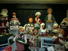 Byers Choice Christmas Carolers