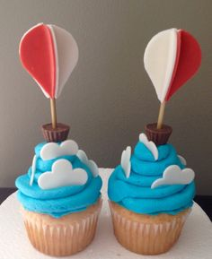 Hit air balloon cupcakes inspired by Jessica Harris Balloon Cupcakes, Balloon Cake, Cute Cupcakes, Hot Air Balloon, Air Ballon, Boy First Birthday, Boy Birthday Parties, Mini Cakes, Cupcake Cakes