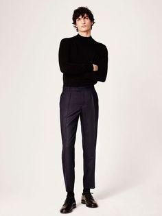 Sandro Herbst 2017 Menswear Fashion Show - Herren mode & Men's Fashion Man Street Style, Mode Man, Poses References, Herren Outfit, Business Outfit, Mode Vintage, Italian Fashion, Mens Clothing Styles, Clothing Ideas