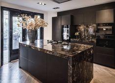 Luxury Kitchen Design, Kitchen Room Design, Home Room Design, Kitchen Cabinet Design, Luxury Kitchens, Home Decor Kitchen, Interior Design Kitchen, Home Kitchens, Cuisines Design