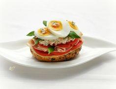 Schinken-Sandwich mit Bärlauch und Eier
