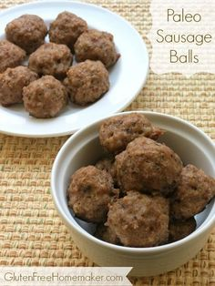 Paleo Sausage Balls  -Sausage balls are great for breakfast, snacking, appetizers, or served as part of dinner. #21dsd #sugardetox #sausageballs