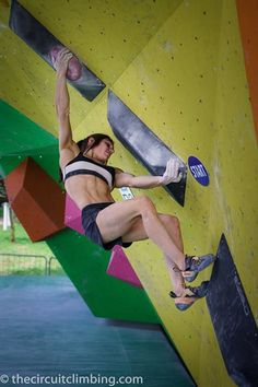 www.boulderingonline.pl Rock climbing and bouldering pictures and news Alex Puccio en Arco