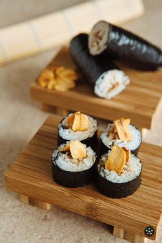 Adobo Sushi Rolls with Garlic Chips by Pepper.Ph. In this article, we'll show you how quick and easy it is to prepare the perfect Adobo Sushi Rolls with Garlic Chips.