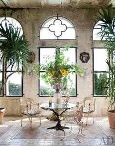 traditional-living-room-auvergne-france-201111-3_1000-watermarked.jpg 1,000×1,276 pixels