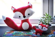 Cute cute cute! Plush Red Foxes  Mommy and her Baby by CarrotFever on Etsy, $35.00