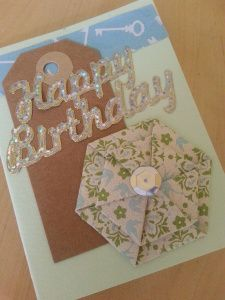 card with hexagonal paper flowers - Cocojude Paper Flower Tutorial, Card Making Tutorials, Paper Folding, Paper Cards, Paper Flowers, Origami, Birthday Cards, Crafty, Holiday